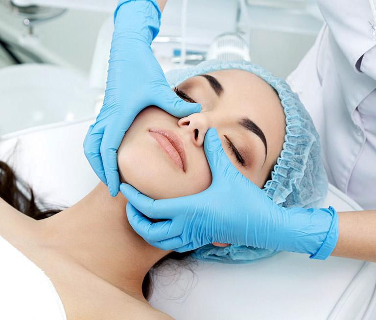 plasticheskij-massazh-lica